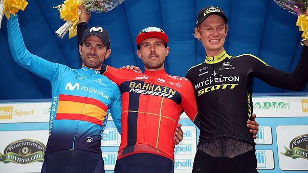 Il podio del Gran Premio Beghelli: Valverde (secondo), Colbrelli (primo), Hag (terzo)