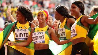 L'oro della staffetta giamaicana: Natalliah Whyte, Shelly-Ann Fraser-Pryce, Shericka Jackson e Jonielle Smith.