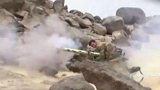 أحد أفراد قوات الحوثيين - أرشيف رويترز