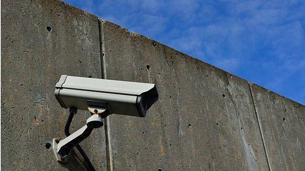 توانایی تشخیص چهره فرد در استادیوم ۱۰ هزار نفری با سوپر دوربین چینی
