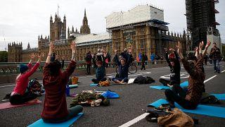 """""""Восстание вымирающих"""" в европейских столицах: перекрытия дорог и задержания"""