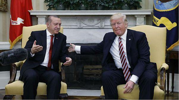 چراغ سبز ترامپ به اردوغان: ادامه حمایت از کردهای سوریه توجیهی ندارد