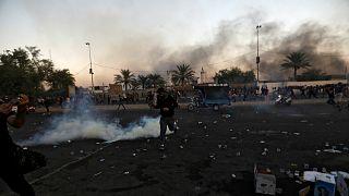 متظاهرون في بغداد- أرشيف رويترز