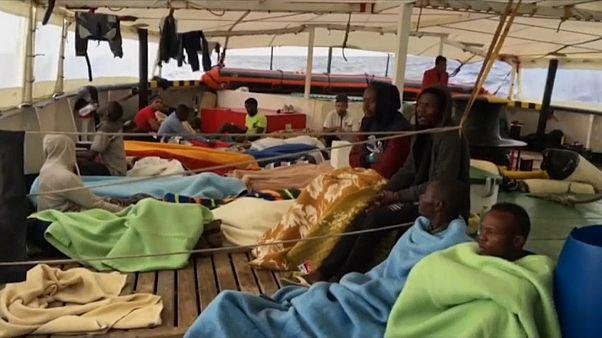 El Open Arms rescata a 40 migrantes a 50 millas de Malta