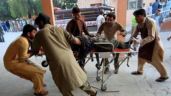 انفجار بمب در افغانستان جان دستکم ۱۰ نفر را گرفت