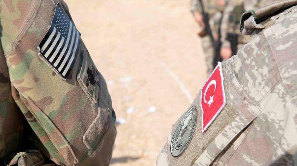 Rabbia curda contro la staffetta tra soldati Usa e turchi
