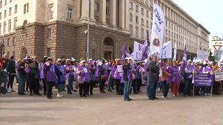 Bulgária: béremelést követelnek az egészségügyi dolgozók