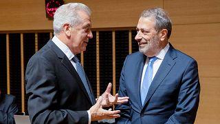 O Υπουργός Δικαιοσύνης της Κύπρου Γιώργος Σαββίδης μαζί με τον Ευρωπαίο Επίτροπο Δ.Αβραμόπουλο, , στο Συμβούλιο Δικαιοσύνης και Εσωτερικών Υποθέσεων της ΕΕ.