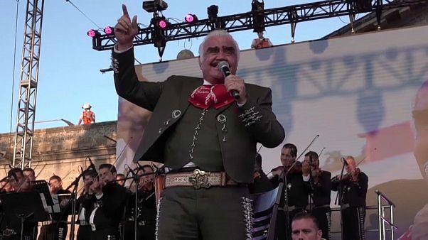La ciudad mexicana de Guadalajara homenajea a Vicente Fernández, 'El Rey' de las rancheras