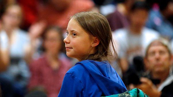 İtalya'da Greta Thunberg'in boynundan asılı kuklası savcılığı harekete geçirdi