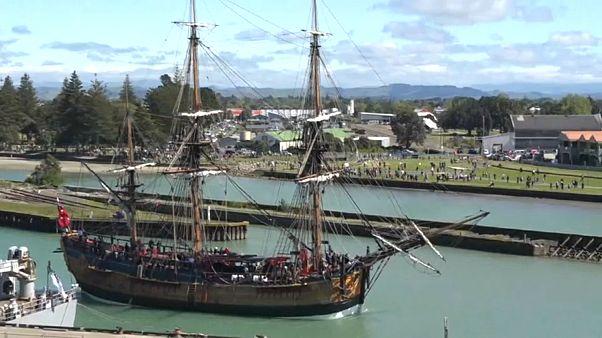 Nuova Zelanda: i britannici tornano a sbarcare 250 anni dopo. Proteste maori