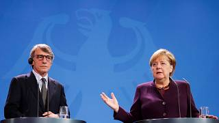 Merkel bei einem Treffen mit EU-Parlamentspräsident Sassoli