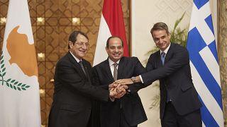 Ο Πρόεδρος της Αιγύπτου Αμπντέλ Φάταχ αλ Σίσι, με τον Κυριάκο Μητσοτάκη και τον Νίκο Αναστασιάδη