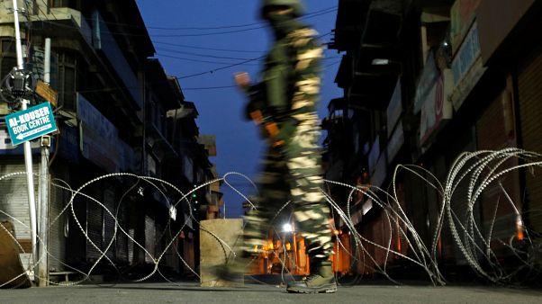 Hindistan turistlere yönelik Cammu Keşmir'e seyahat uyarısını kaldırıyor
