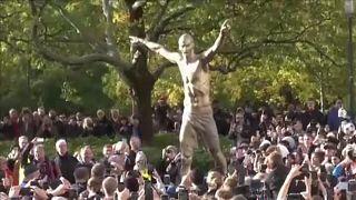 Ibrahimovic-szobor Malmőben