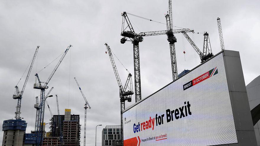 """Breves de Bruxelas"": Adiar Brexit e prolongar audições no PE"