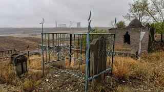 Doğu Türkistan'ın başkenti Urumçi'de bir mezarlık