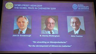 Нобелевскую премию по химии получили Джон Гуденоф, Стенли Уиттинхэм и Акира Есино