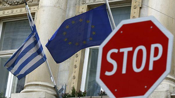 Καμπανάκι της ΕΚΤ για ρευστότητα και κόκκινα δάνεια στην Ελλάδα