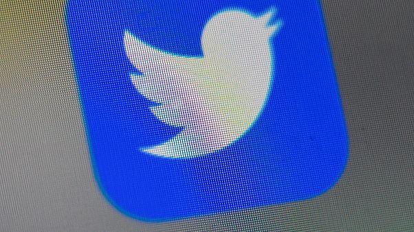 Twitter, kullanıcı bilgilerinin reklam servislerinde yanlışlıkla kullanılmasından dolayı özür diledi