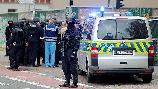 Két embert megöltek a németországi Halléban