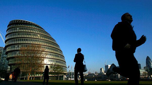 إحدى الساحات في مدينة العاصمة البريطانية لندن