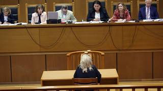 Η Ελένη Ζαρούλια σύζυγος του αρχηγού της Χρυσής Αυγής Νίκου Μιχαλολιάκου απολογείται κατά τη διάρκεια της Δίκης της Χρυσής Αυγής