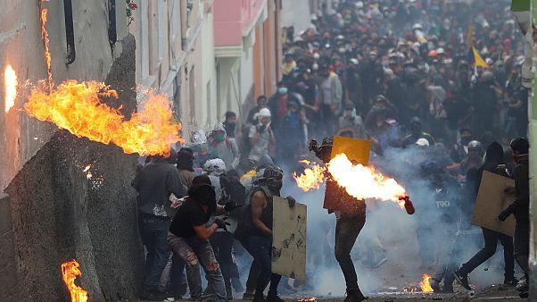 Duros enfrentamientos en Ecuador mientras Lenín Moreno ofrece diálogo
