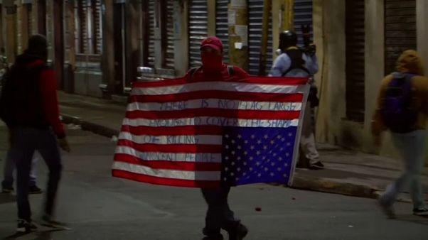 الشرطة تفرق متظاهرين ضد الرئيس في هندوراس