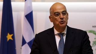 Tο ελληνικό ΥΠΕΞ καταδικάζει την τουρκική επέμβαση στη Συρία