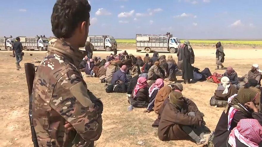 """Trump: """"jihadisti in fuga scapperanno in Europa"""""""