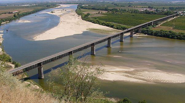 """Tago, un fiume di polemiche. Gli ambientalisti portoghesi accusano: """"La Spagna lo prosciuga"""""""