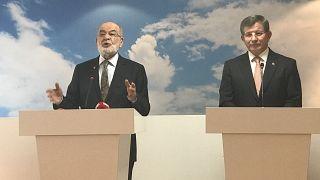 Davutoğlu ile Karamollaoglu buluştu: Parti tüm kesimlere ulaşmayı hedefliyor