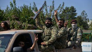 دورية عسكرية لما يعرف بالجيش الوطني السوري المكون من الجيش السوري الحر وبعض الفصائل المسلحة