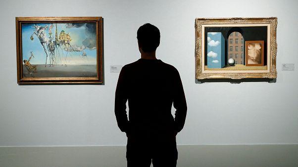 Dalí & Magritte: Un coqueteo surrealista
