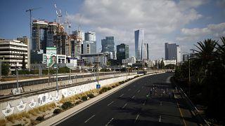شاهد: تظاهرتان سيارتان للعرب في إسرائيل احتجاجا على تفشي الجريمة في بلداتهم