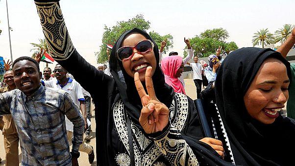 كانت النساء السودانيات في الصف الأول خلال الاحتجاجات ضد حكم البشير والمجلس العسكري الانتقالي