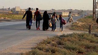 """عملية """"نبع السلام"""" تخلف 70 ألف نازح شمال سوريا وتفاقم الأزمة الإنسانية"""