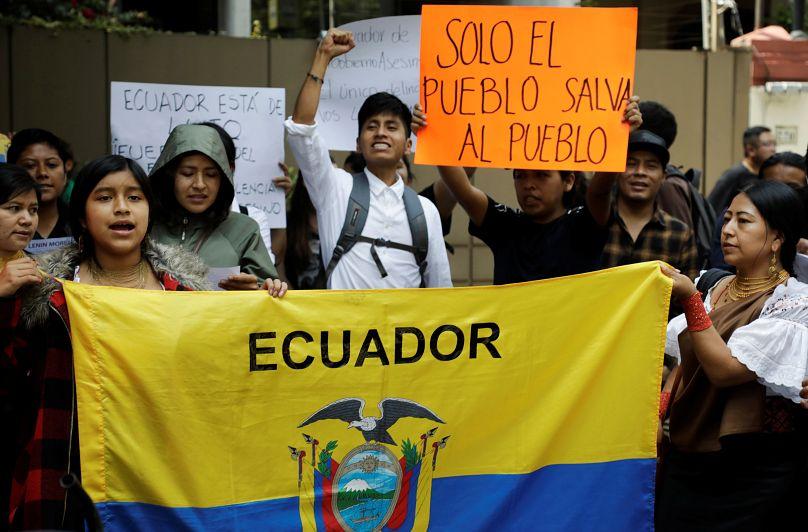 Resultado de imagen para Fotos de última hora sobre las protestas en Ecuador