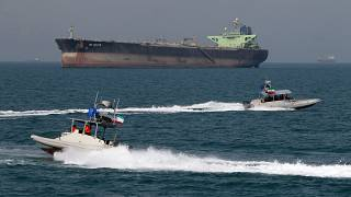 """شركة النفط الإيرانية: صاروخان استهدفا ناقلة النفط """"سابيتي"""" تسببا بتفجير ضخم قرب ميناء جدة  السعودي"""
