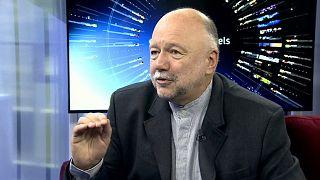 """Ucraina, l'intervista ad Andrei Kurkov: """"Oggi i politici sembrano attori"""""""