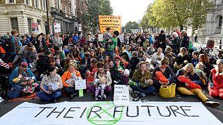 Protesta de madres amamantando el 9 de octubre