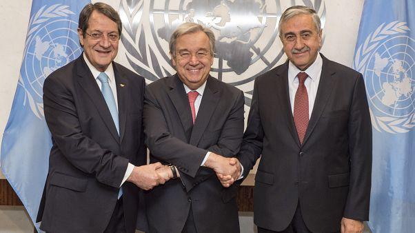 Κυπριακό: Δεύτερο μισό του Νοεμβρίου η τριμερής, αναφέρει ο Μπουρτζιού