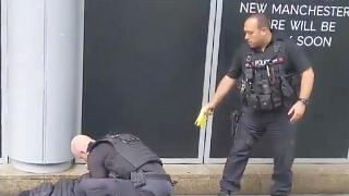 شرطة مانشستر تعتقل رجلاً يشتبه بأنه وراء حادثة الطعن في مركز تجاري