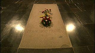 La salma di Franco verrà tumulata in un piccolo cimitero di provincia