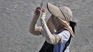 """اليابان: قصة معتدٍ تمكن من تحديد مكان تواجد فنانة من خلال صورة """"سيلفي"""""""