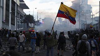 Spritpreis-Erhöhung in Ecuador: Proteste in Quito eskalieren
