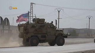 مدرعة أمريكية في كوباني قرب الحدود التركية