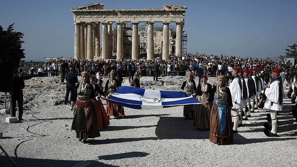 Επετειακή έπαρση της ελληνικής σημαίας