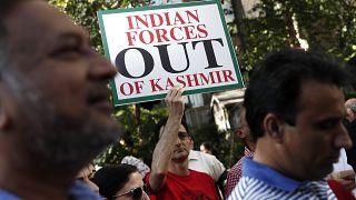 Hindistan, Cammu Keşmir bölgesinde kestiği mobil telefon hizmetlerini kısmen yeniden tesis edecek